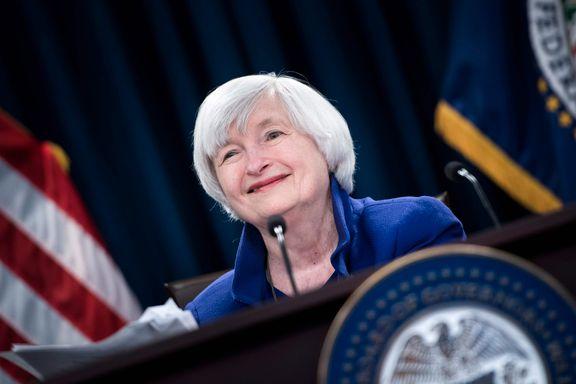 Første kvinnelige finansminister tatt i ed i USA