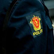 Er det OK at uniformert politi tvitrer «privat» om jobbsaker?