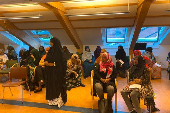 Kvinner mest aktive i den somaliske moskeen, men plass i styret har de aldri hatt