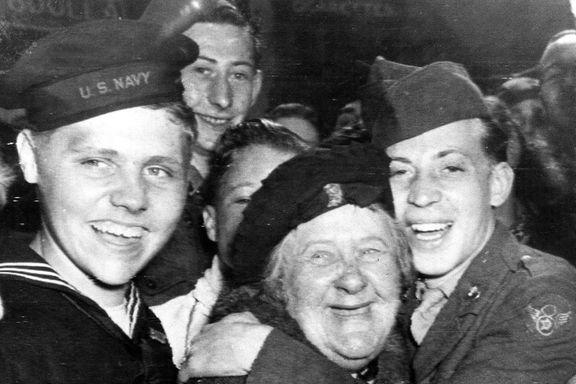Da freden kom. Se gleden og håpet i de 75 år gamle jubelbildene.