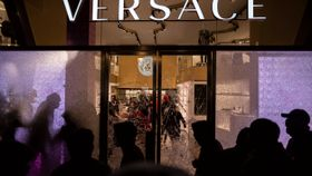Demonstranter plyndret butikker i eksklusiv gate i Barcelona