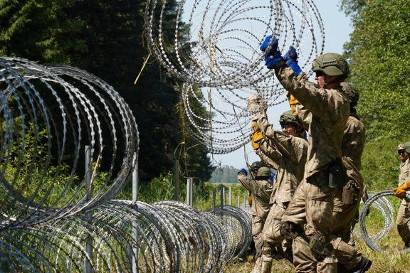 Europa får ny grensemur. Nå bygges 500 kilometer gjerde av piggtråd.