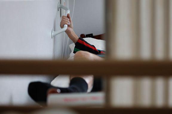 Sykehjemmene isoleres: Anmoder besøkende om å bli hjemme