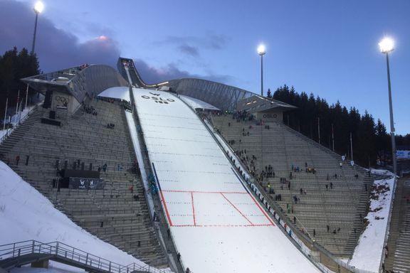Slik så det ut da verdensstjernene åpnet den splitter nye hoppkurransen i Holmenkollen