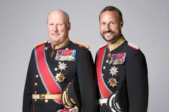 Uformelt møte med barnas egen statsråd: Derfor er kongen bevæpnet - på Slottet
