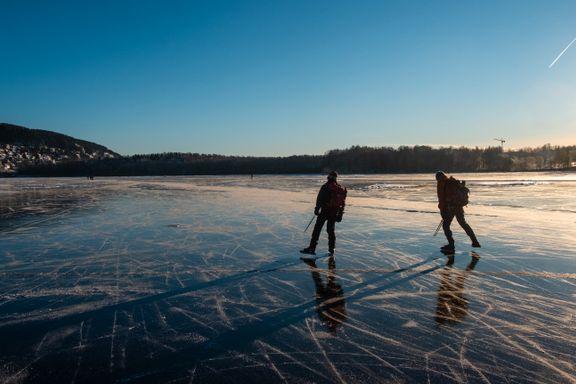 Vinterlykke på tykk is: Spesielt én ting er obligatorisk å ta med på skøyteturen