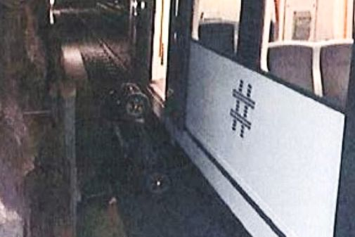 Rullestolbruker falt ned på sporet. Kvinne fikk 750 volt i kroppen da hun ville hjelpe.