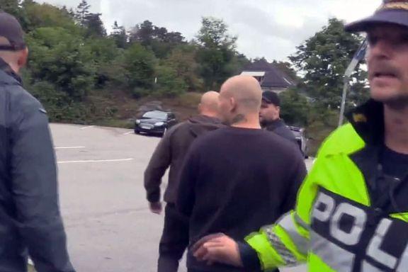 Her beordrer politiet nazistene til å stoppe – men blir skjøvet vekk