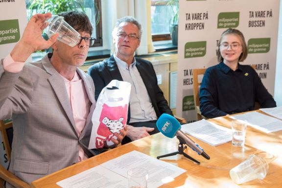 De Grønne innfører alkoholforbud på festmiddagen sin– vurderer hasj i butikk
