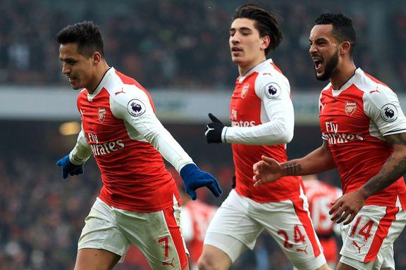 Sánchez scoret med hånden i Arsenal-seier