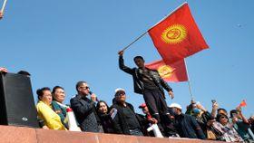 Valgresultatet har utløst store demonstrasjoner. Nå er det unntakstilstand i Kirgisistan.