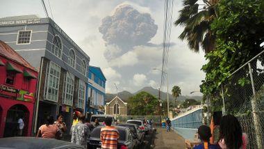 Første vulkanutbrudd på 40 år på den lille øya
