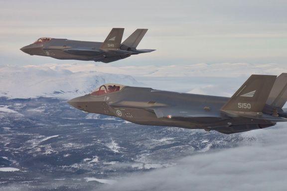 I USA koster det 400.000 kroner i timen å fly F-35. Men Norge tviholder på at prisen er 110.000 kroner.