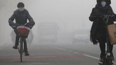 FNs klimasjef ble oppglødd da han besøkte Kinas hovedstad. 2017 ble det reneste året.