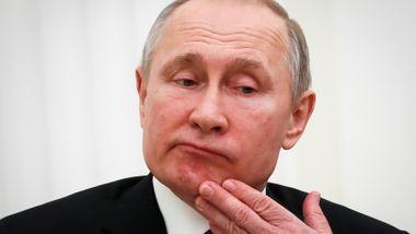 Putin vil ha full kontroll. Men nå brenner det på alle kanter.