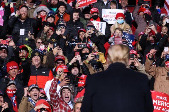 Koronasmitten eksploderer i USA. Verst rammet er Trumps bastioner.