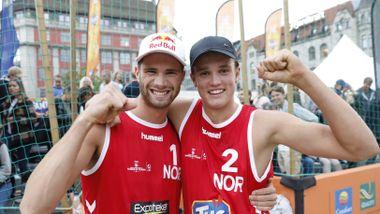 Kristiansander etter sensasjonell seier med sandvolleystjerne: – Han har helt syke ferdigheter
