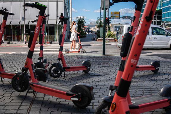 Byrådet i Oslo åpner for strengere regler for elsparkesykler på nattetid