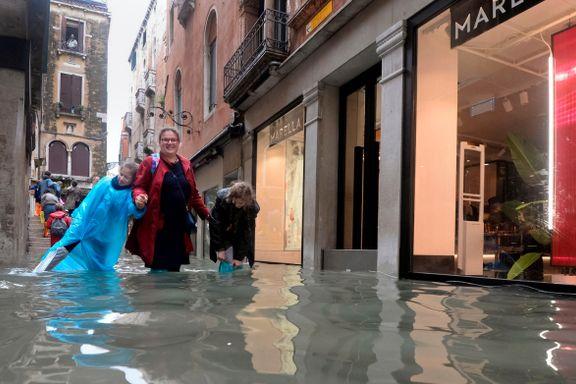 Nå er også gatene i Venezia kanaler