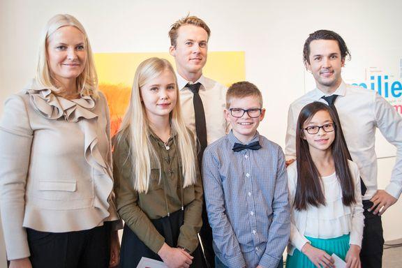 Over 4000 barn sendte inn tegninger. Tirsdag kåret Ylvis og Mette-Marit vinneren.