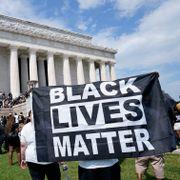Tusener samlet i Washington for demonstrasjon mot rasisme