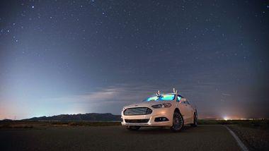 Ford vil lansere syv ladbare biler de neste fem årene