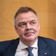 Han vil låne ut penger til finansministeren slik at Oljefondet kan skånes