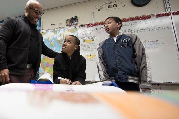 Gutter får dårligere karakter enn jentene. Kan kjønnsdelte skoler løse krisen?