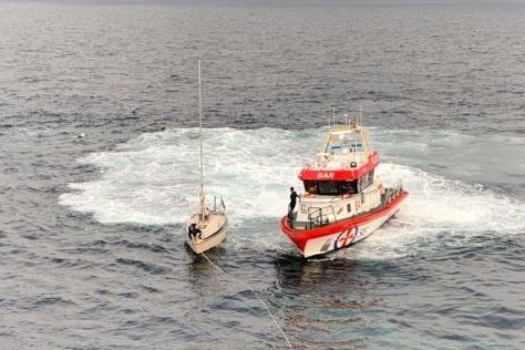 Asylsøker som ble funnet drivende i en seilbåt i Skagerrak, sier han skulle seile til Canada