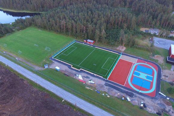 Åpner idrettspark i Finsland til 10 millioner