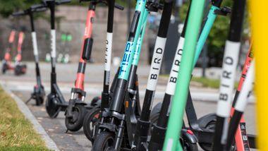 Promillegrense og påbud om hjelm: Dette kan bli de nye reglene for elsparkesykler