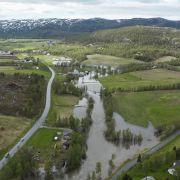 Flom i Finnmark – stengte veier
