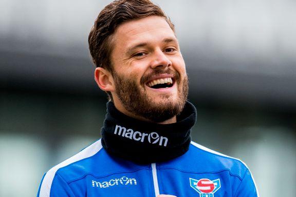 Radioverten spiller i norsk 2. divisjon. Nå vil han ødelegge Norges EM-drøm.