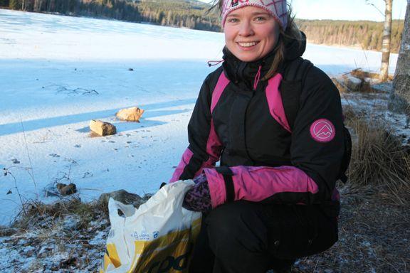 Amalia-Louise (23) har tatt et friår for å plukke søppel