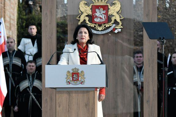 Georgias første kvinnelige president tatt i ed