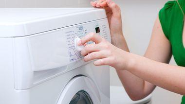 Er det best med flytende vaskemiddel? Eller i pulverform?