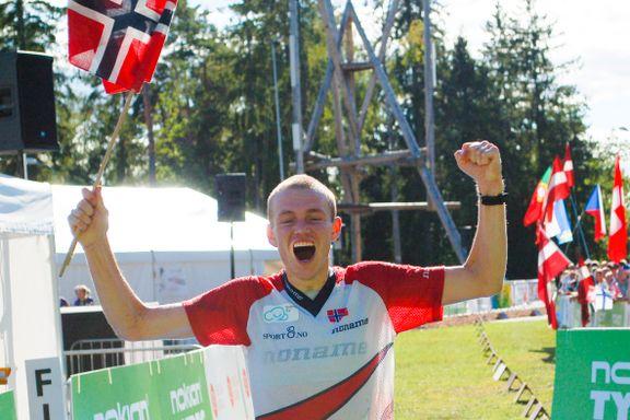 Ukjent nordmann ble sensasjonelt verdensmester i orientering. Han gir Sverige æren for bragden.