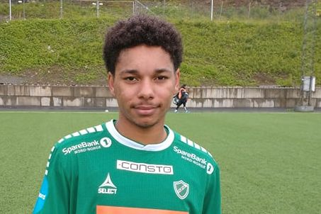Martin (21) kunne blitt helt i Fløya-debuten:- Så den i mål