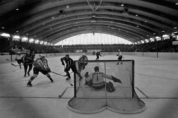 Oilers og stavangerhockeyens fødested fyller 50 år. Se de historiske bildene her.