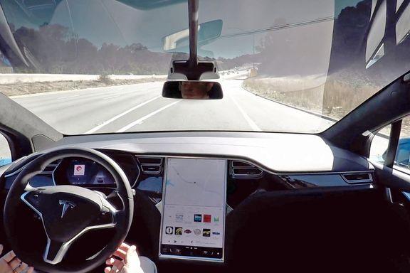 Teslas selvkjørende bil: – Vil ikke anbefale noen å kjøpe ny bil nå