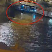 Video viser hvordan turistbåten blir truffet av Viking-cruiseskip