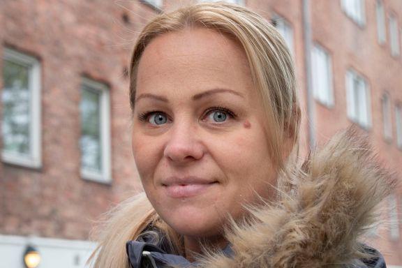 Rødt-politiker hevdet at arbeidere fra Polen og Litauen slipper karantene. Det stemmer ikke.