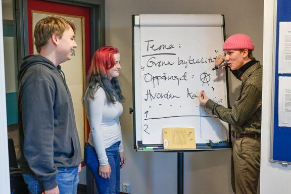 Ungdom oversvømmes av informasjon fra ulike kilder. Men norske elever lærer ikke nok om kildekritikk.
