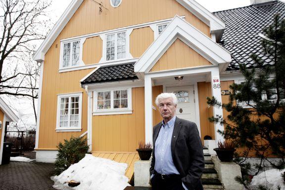 Huset hans kan bli vernet. På alle sider rundt vil kommunen ha blokker.