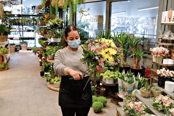 Blomsterbutikkene ligger like ved hverandre. Bare den ene får holde åpent.