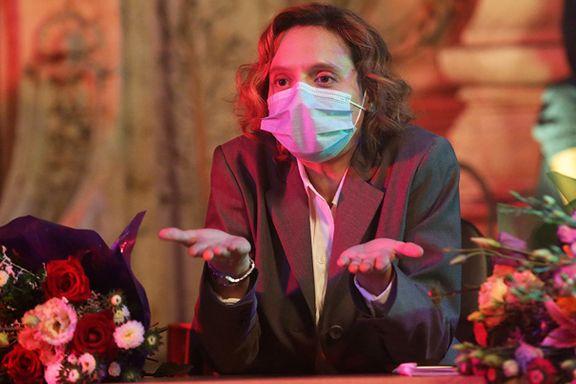 Vil røske deg ut av pandemiens slumrende tilstand. Og greier det nesten.