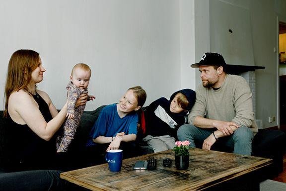 De flytter bort fra Norges heteste boligmarked. Det bidrar til å løfte prisene i småbyer på Østlandet.