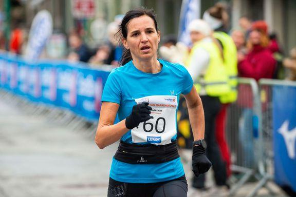 Til topps i sitt første maraton noensinne: – Trent mot dette i to år
