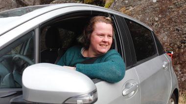 Trine Flåte (37) og familien sparer 2000 i måneden: – Mange tror de trenger egen bil, men så er det bare en vane