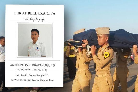 Den 21-år gamle flyvelederen kan ha reddet hundrevis da han ble igjen i tårnet. Selv mistet han livet.